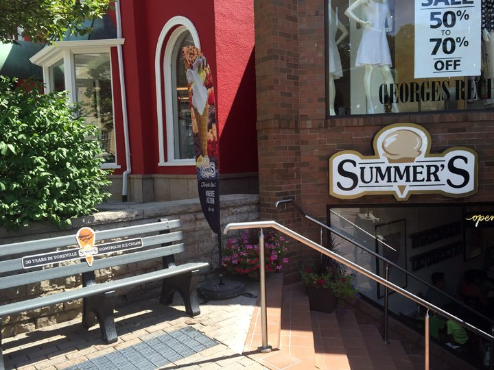 Photo of the front of Summer's Ice Cream Store